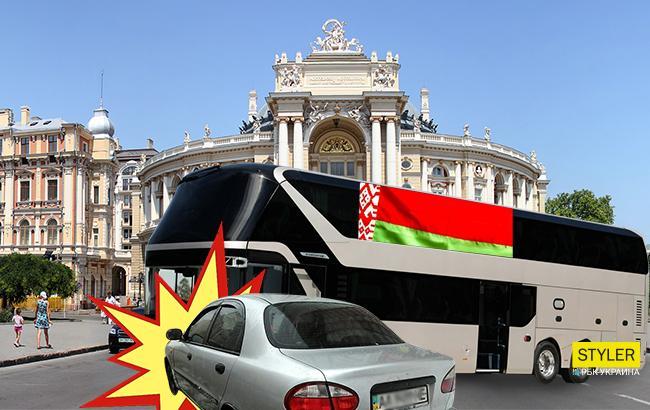 Фото: автобус зі спортсменами з Білорусі врізався в автомобіль (Колаж РБК-Україна)
