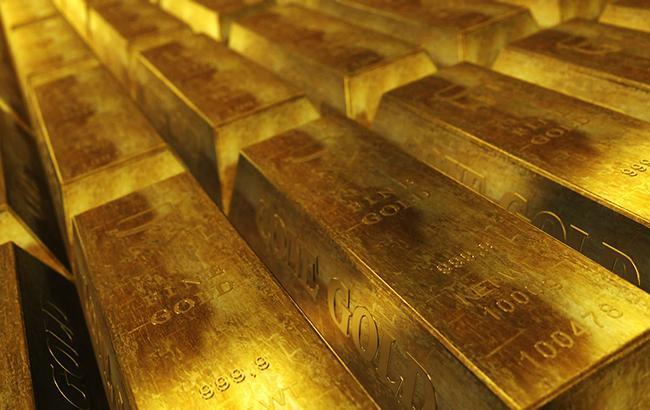 НБУ понизил курс золота до 344,24 тыс. гривен за 10 унций