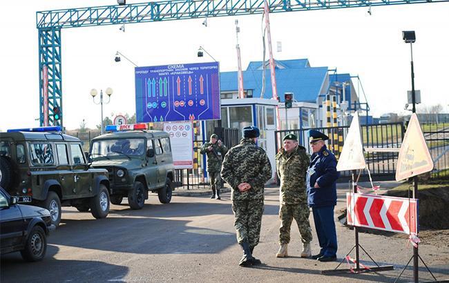"""На границе с Украиной польские таможенники начали """"тихую забастовку"""""""