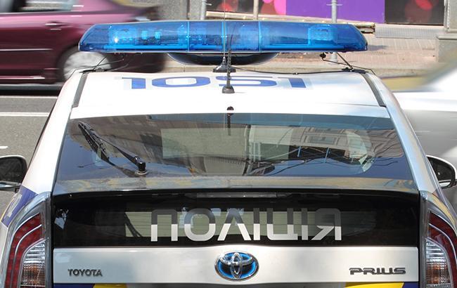 Погрожували вилами: мешканці Закарпаття напали на поліцейського