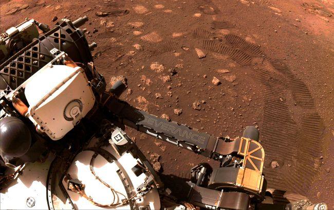 Марсоход Perseverance добыл второй образец почвы: фото операции
