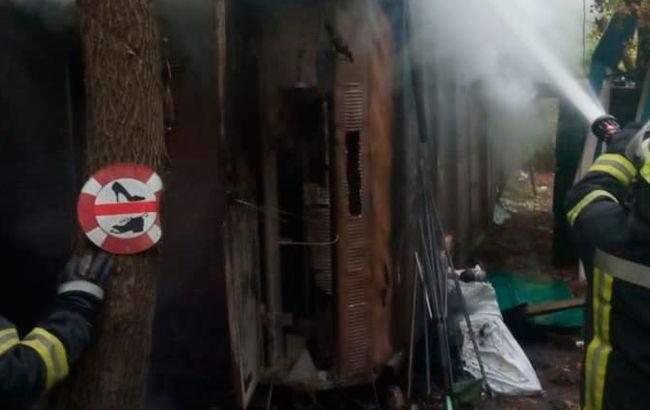 В Гидропарке Киева произошел пожар. Пожарные обнаружили тело