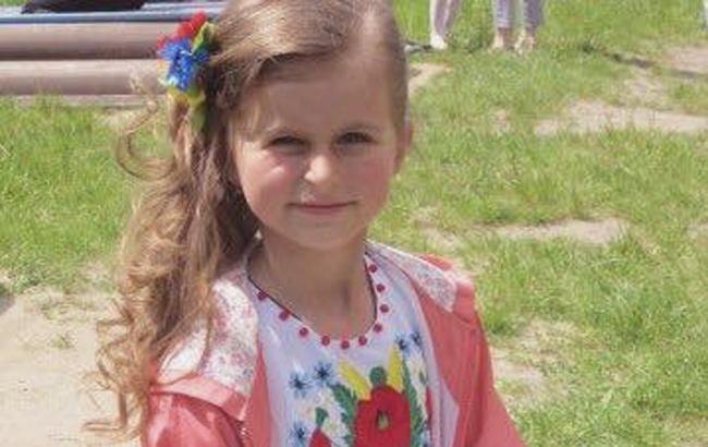 Відома волонтер просить українців допомогти врятувати дівчинку