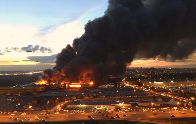 Соцсети обсуждают разрушительный пожар в Москве