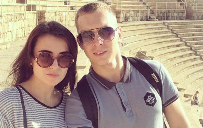 Фото: Александр Евтеев с женой (facebook.com/alex.evteev.kh)