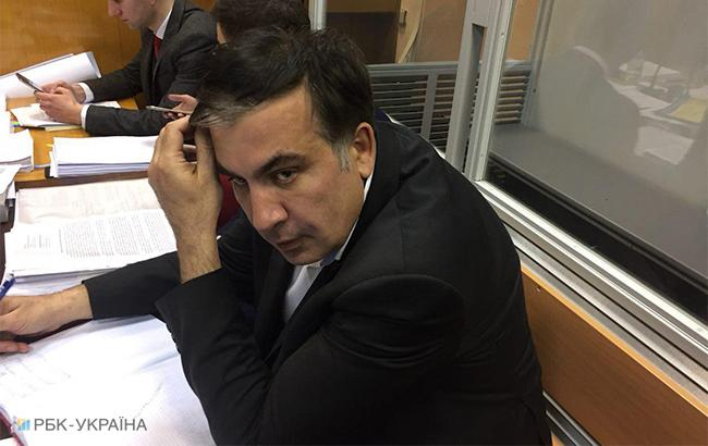 Михаил Саакашвили в зале суда (фото: РБК-Украина)