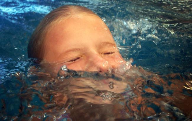 10-летняя девочка умерла на глазах у матери (pixabay.com/josstyk)