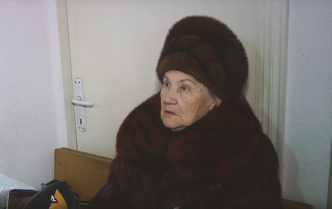 Пришлось ампутировать лапу: в Мариуполе судят пенсионерку, которая покалечила щенка (видео)