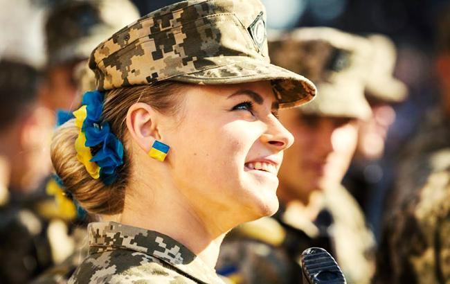 Девушка-воин из ВСУ (фото: facebook.com/patriotu)