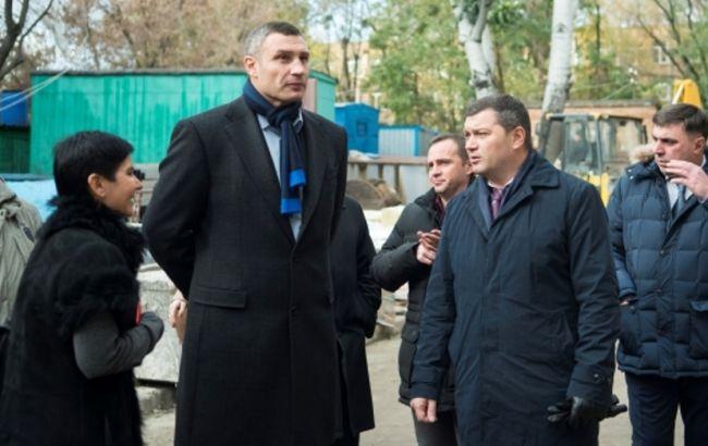 Фото: Кличко проинспектировал строительные работы на территории Центра