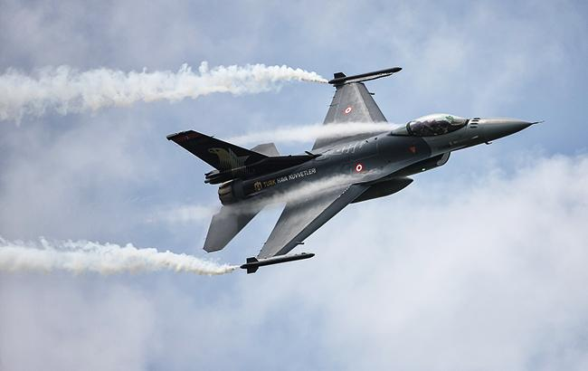 Фото: турецький винищувач (flickr.com/Türk Silahlı Kuvvetleri)