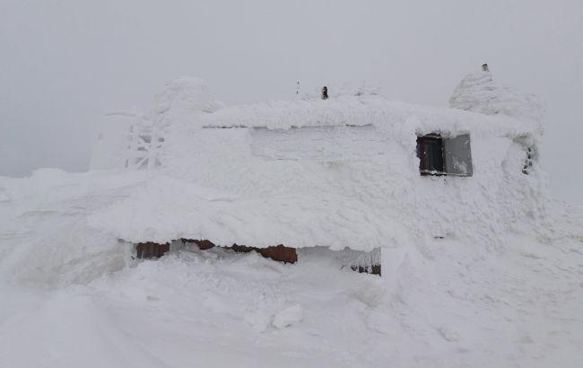 Угроза схождения лавин в Карпатах: объявлен третий уровень опасности
