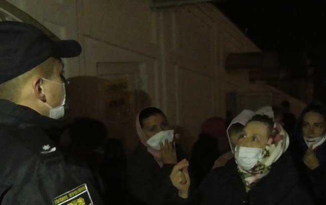 Полиция начала производство из-за нарушений карантина в Почаевской и Святогорской лаврах