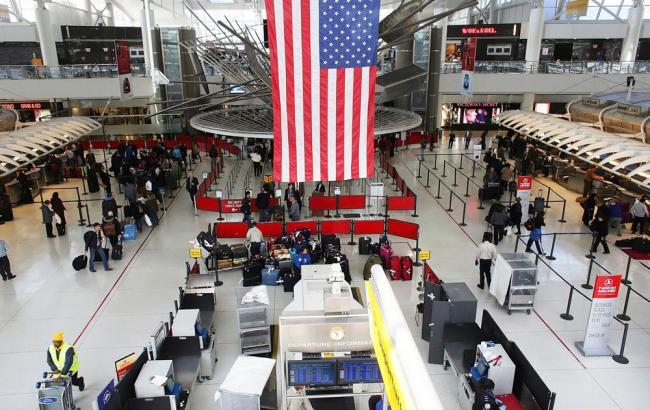 Фото: у нью-йоркському аеропорту імені Кеннеді евакуювали пасажирів восьмого терміналу