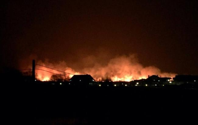 На околиці Києва почалася велика пожежа - Київ - пожежа ...: https://www.rbc.ua/ukr/news/okraine-kieva-nachalsya-krupnyy-pozhar-1490819140.html