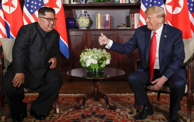 """Трамп поблагодарил Ким Чен Ына за """"большой шаг назад от ядерной катастрофы"""""""