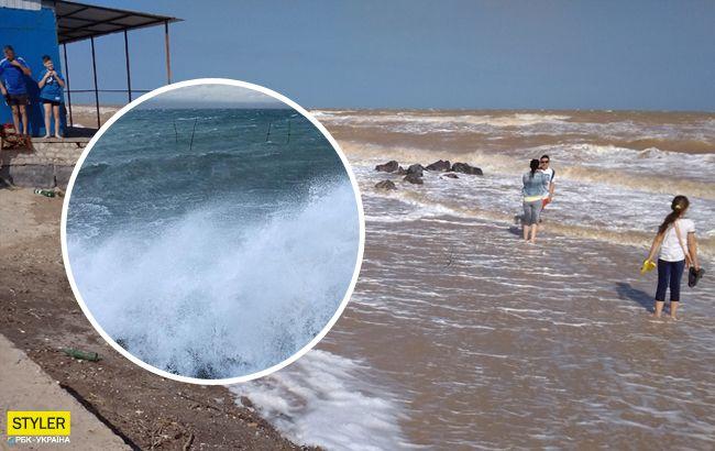 На відомий український курорт обрушився нищівний шторм (відео)