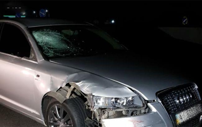 Под Киевом автомобиль насмерть сбил трех человек