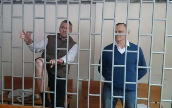 Суд в Чечні продовжив арешт Карпюку і Клиху