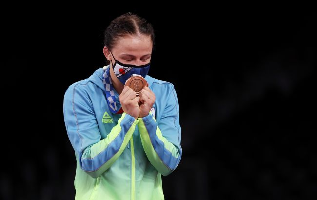Украинская призерка Олимпиады подарила квартиру тренеру: история получила неожиданное продолжение