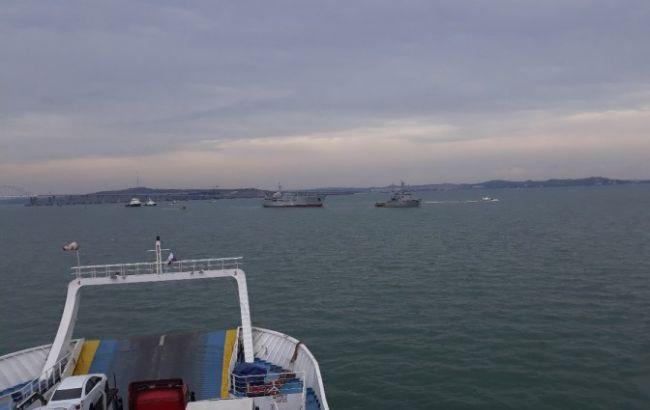 Порошенко поздравил корабли ВМС Украины с выходом к Азовскому морю