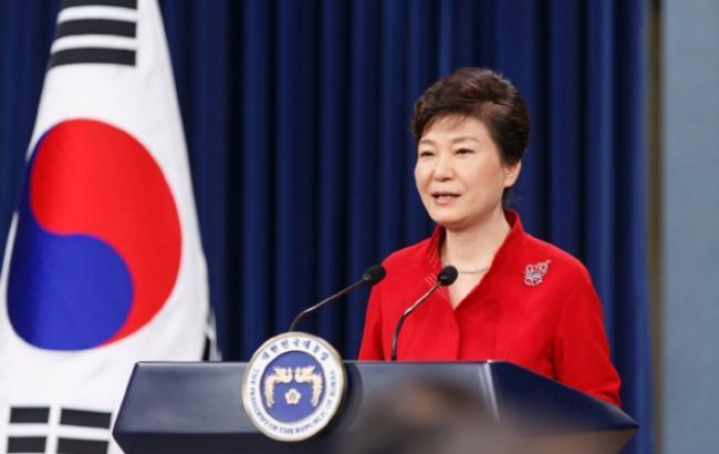Суд выдал ордер наарест бывших помощников южнокорейского президента