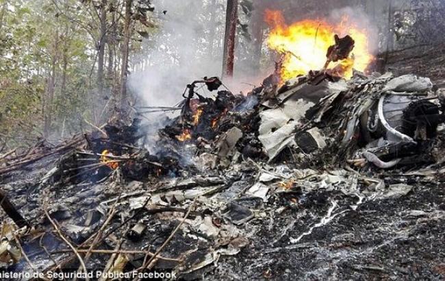 В Коста-Рике разбился легкомоторный самолет, 12 погибших