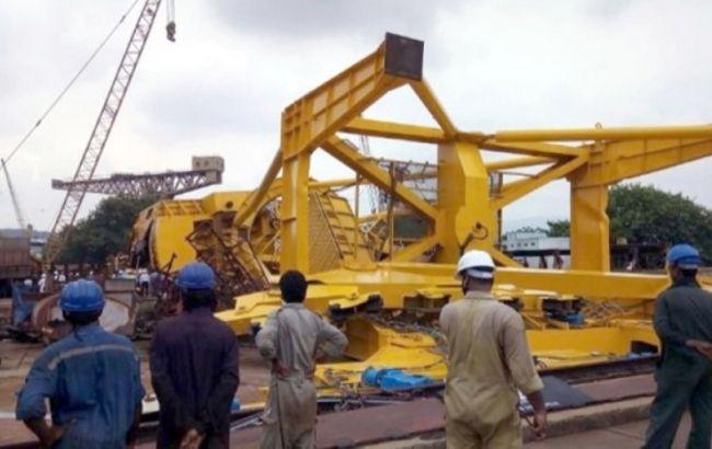 В Індії під час установки впав 70-тонний кран, 11 загиблих