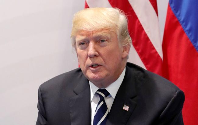 Трамп назвав ЄС, Росію і Китай торговими ворогами США