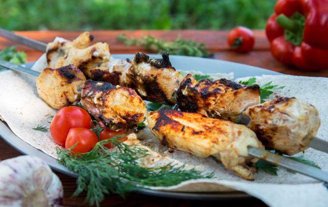Самый вкусный куриный шашлык: Клопотенко сказал, какое мясо лучше всего брать