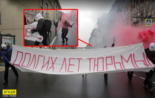 """Пожелали """"долгих лет тюрьмы"""": в России арестовали активистов за поздравление Путина (видео)"""