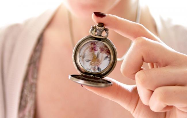 Некоторые люди продолжают верить в то, что часы могут принести в дом разлуку