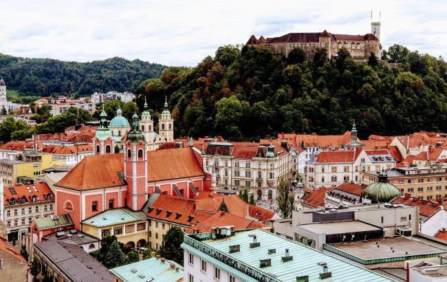 У Словенії скасовують режим НС та низку карантинних обмежень