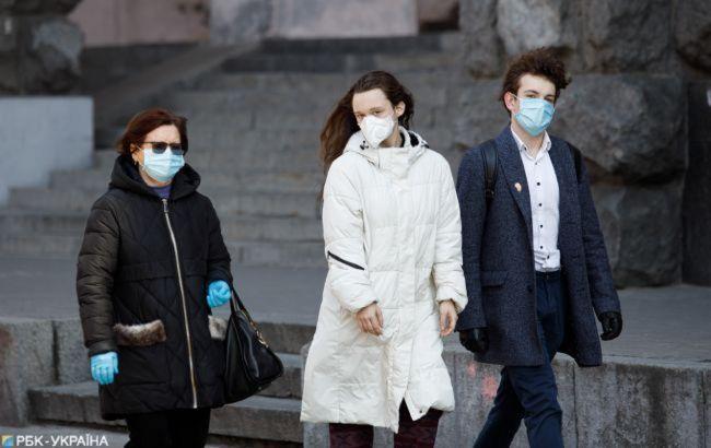 У Парижі посилюють карантин через коронавірус