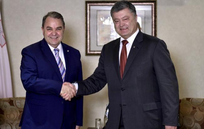 Фото: Петро Порошенко та спікер Палати представників парламенту Мальти Анджело Фарруджа