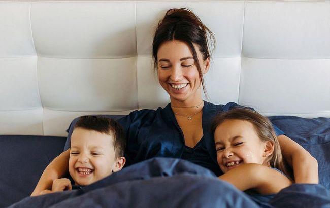Быть мамой - важно и круто: популярная ведущая раскрыла главные правила воспитания детей