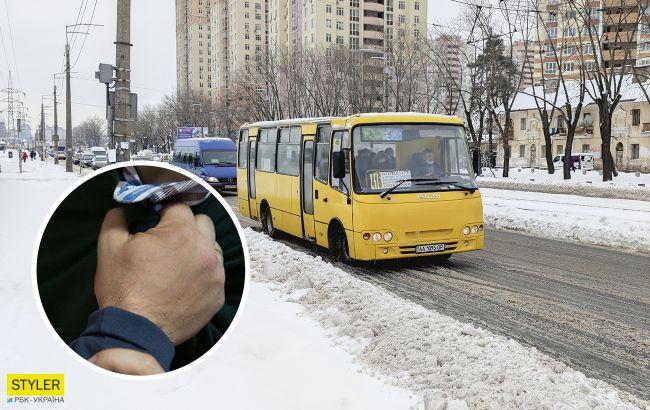 В Киеве маршрутчик устроил жесткую драку с пассажиром (видео)