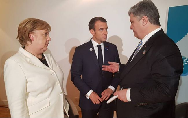 """Порошенко проводить переговори з Меркель та Макроном щодо """"виборів"""" в ОРДЛО"""