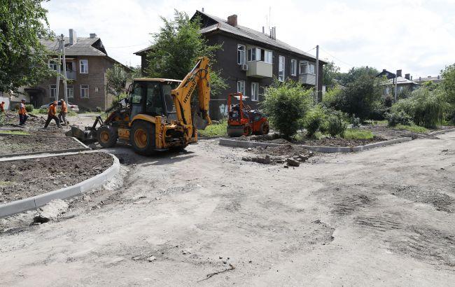 У Дніпрі триває ремонтдворів і внутрішньоквартальних доріг, - Філатов