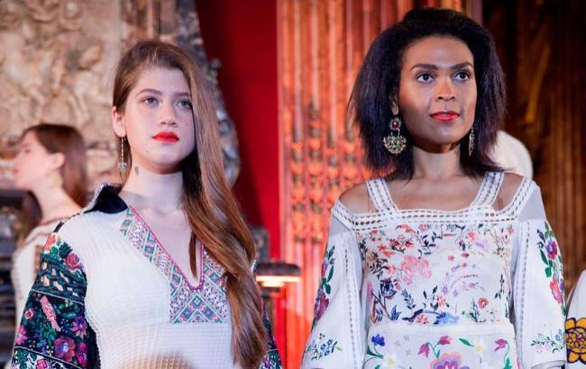 Вышиванки украинского дизайнера покорили Париж