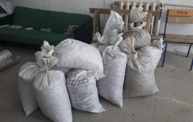 Фото: у Рівненській області затримали чергових видобувачів бурштину