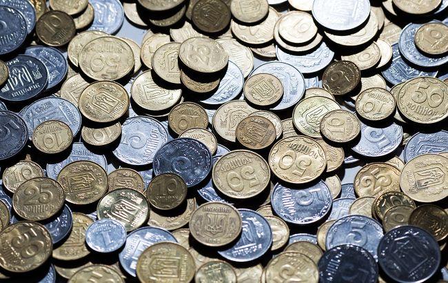 Украинцы с октября не смогут платить некоторыми купюрами и монетами: как обменять