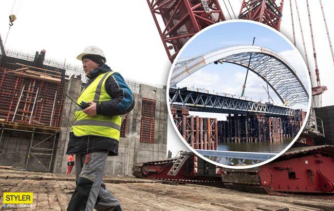 30-летний долгострой: в Киеве заметили работы на Подольском мосту (видео)