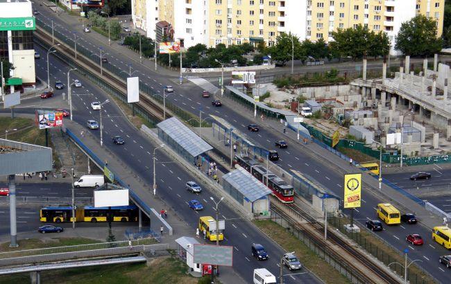 У Києві до кінця весни обмежили рух на Індустріальному шляхопроводі