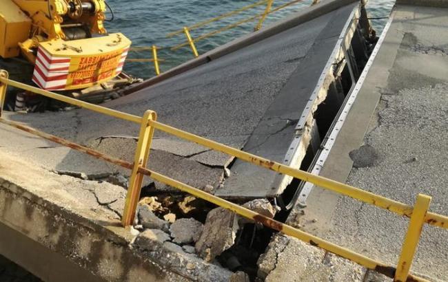 У Греції обвалився автомобільний міст