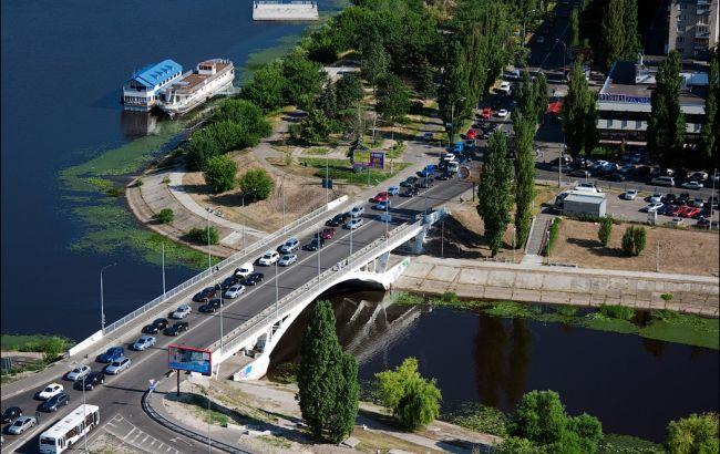 Фото: мост через Русановкий канал
