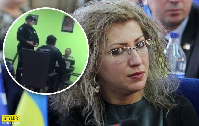 Раздели и завалили на пол: в Херсоне муж депутата горсовета устроил дебош в баре