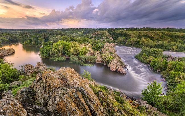 Краски осени и яркие впечатления: идеальные места для легких водных походов в октябре