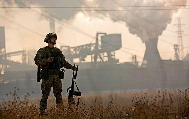 Боевики на Донбассе более получаса вели обстрел по военным возле Крымского