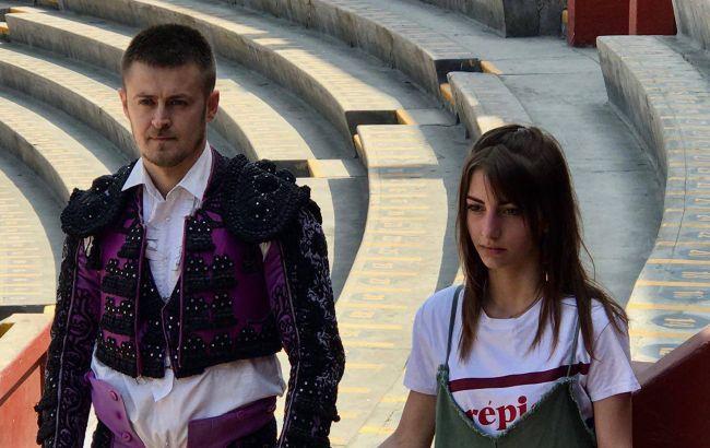 Бик напав на українця-матадора на очах у його коханої: дівчина була в істериці